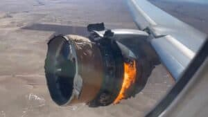 United Airlines Engine on Fire in Flight