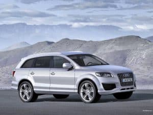 Silver 2014 Audi Q7 with Mountains in Background