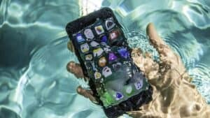 An iPhone 7 Immersed in Water